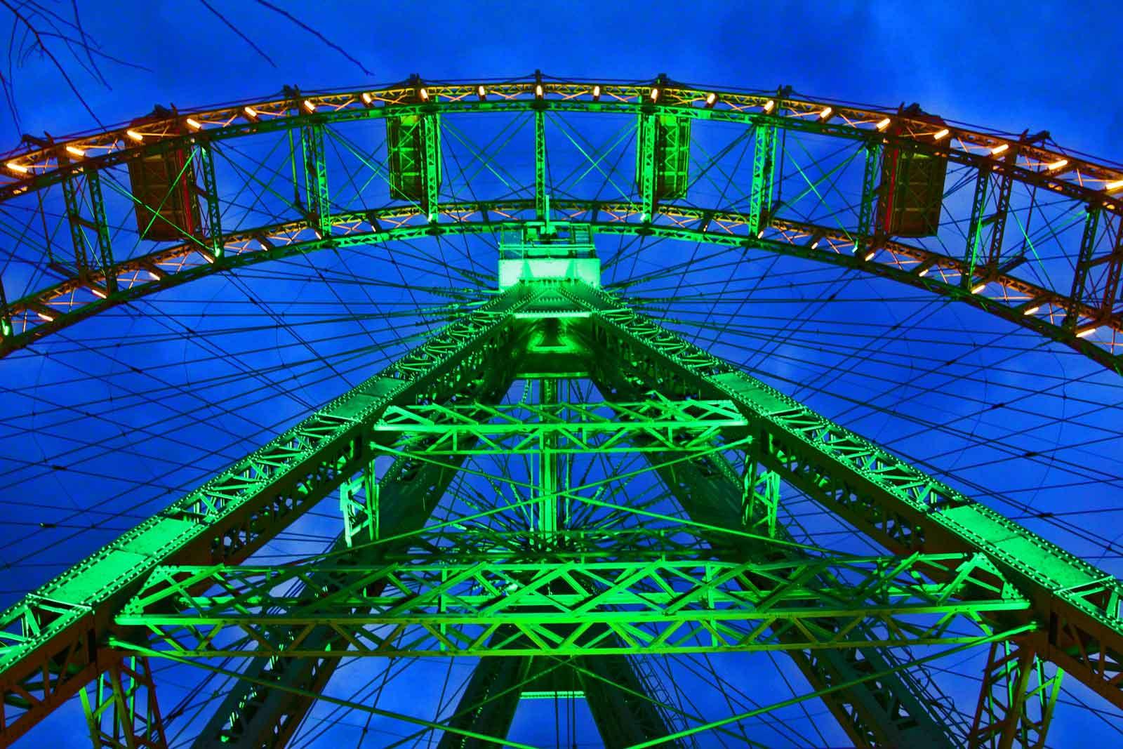 St.Patricks Day – Wiener Riesenrad ergrünt